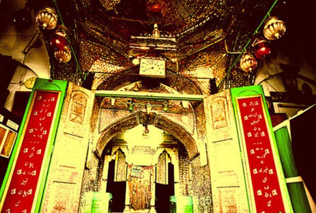 Chote hazrat ki dargah masjid