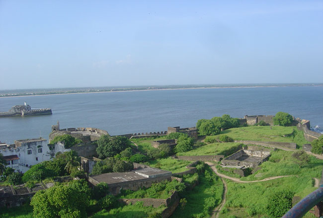 Forts and monuments in daman
