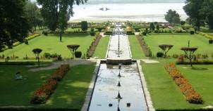 Tourist attractions in srinagar