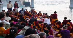 Chanting at badrinath temple