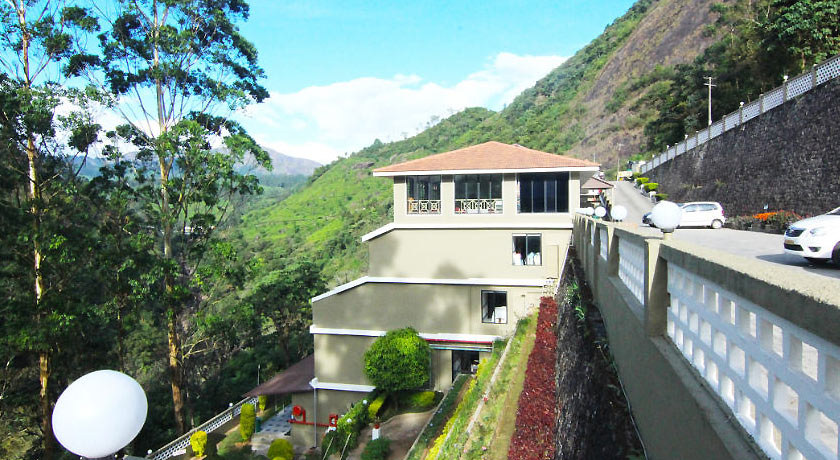 Abad-Copper-Castle-Hill-Valley-Munnar2