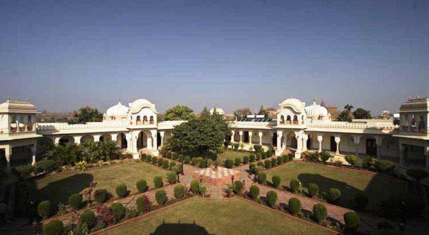 Amar Mahal Hotel4