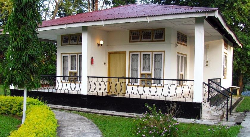 Aranya-Tourist-Lodge,-Kaziranga