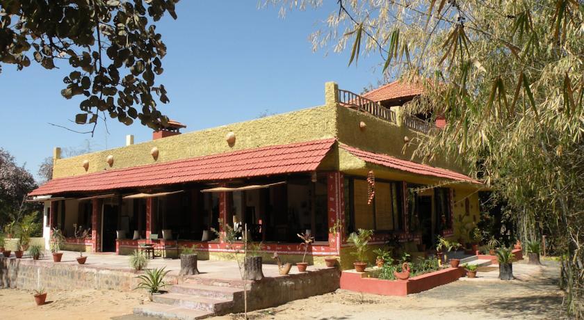 Bandhavgarh Jungle Lodge2
