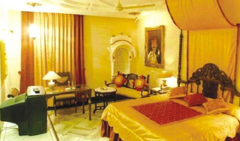 Royal Palace Suite Room