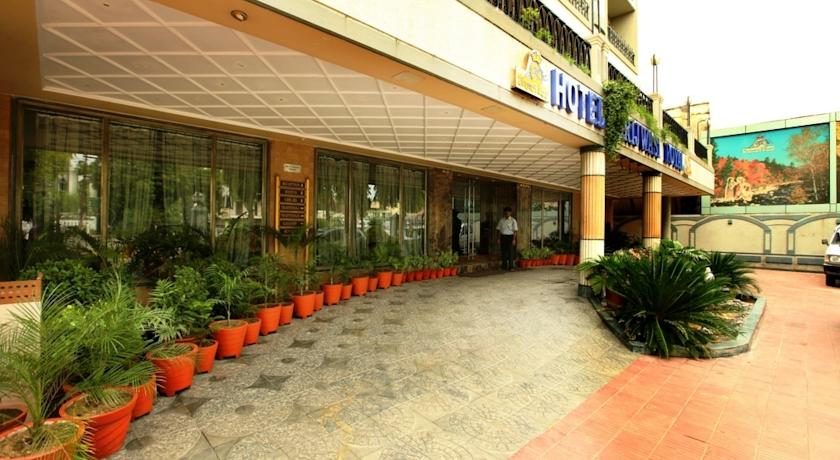 Hotel Brijwasi Royal2