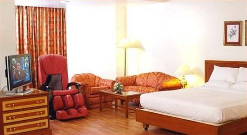 Business Suite Rooms in Capitol Hotel