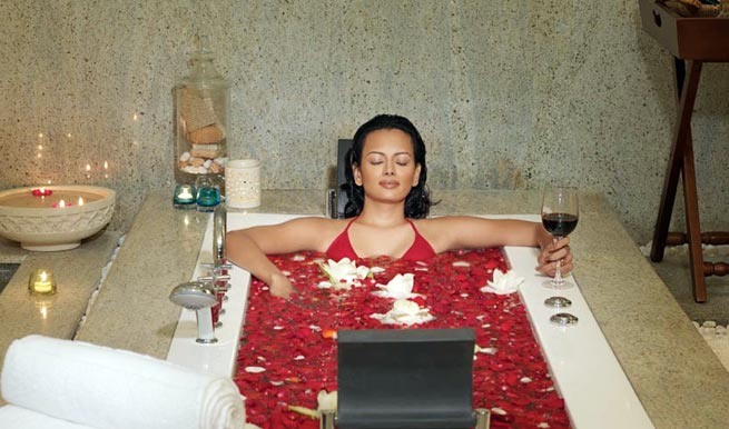 Bathtub Spa in Carnoustie Ayurveda Wellness