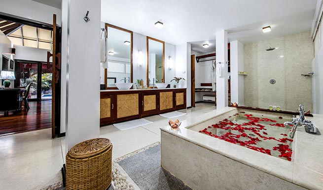 jacuzzi-room in Carnoustie Ayurveda Wellness