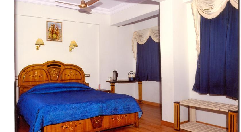 Deluxe Rooms in Chandra Inn