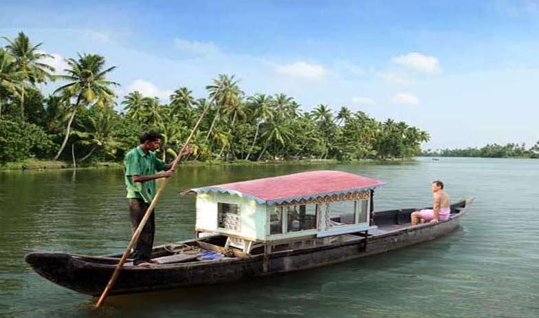 Hourse Boat in Cherai Beach Resort Cherai