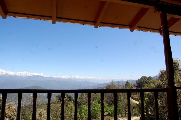 Balcony in Hotel Chevron Mountain Villa, Kausani