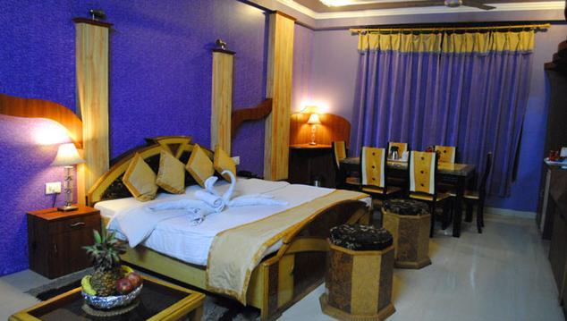 Deluxe Room in Clarks Inn Brinjal