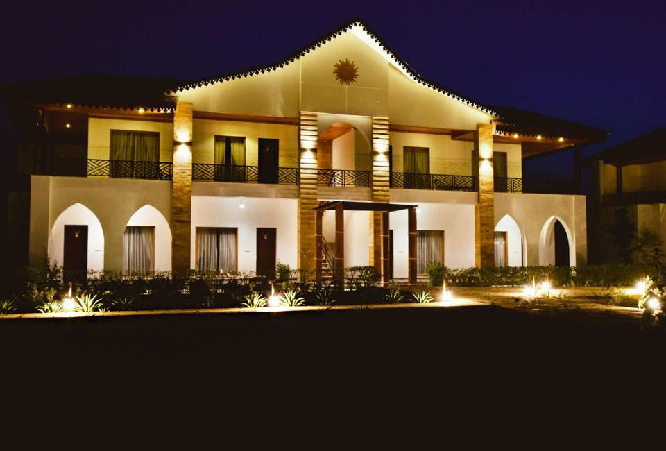 clarks-resort-abhyaran-ranthambore-night-view
