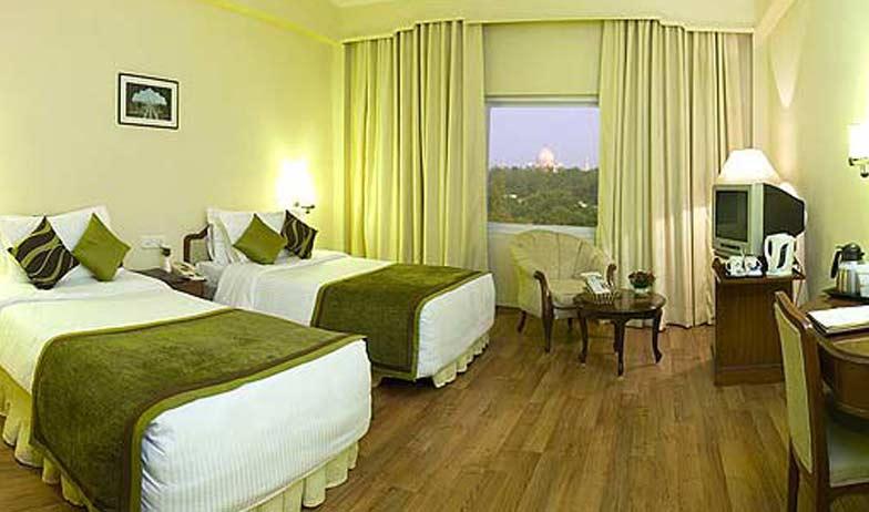 Deluxe Rooms in Clarks Shiraz Agra