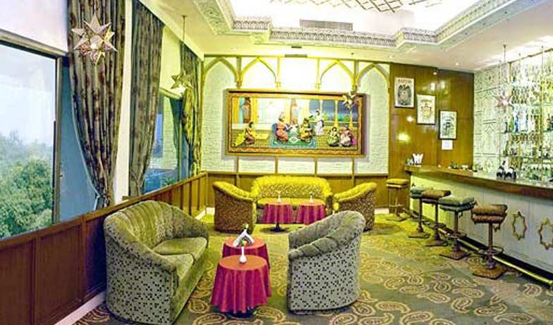 Bar in Clarks Shiraz Agra