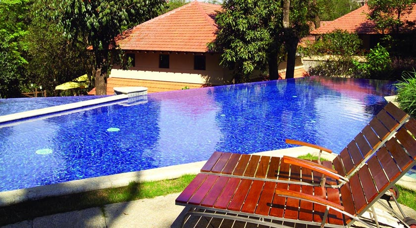 Swimming-pool in Club Mahindra Kodagu Valley