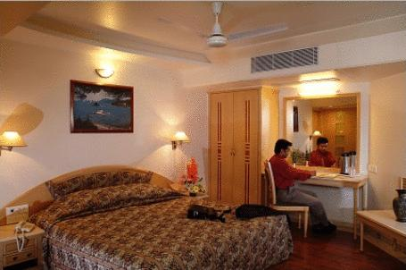 Super Deluxe Rooms in Comfort Inn President