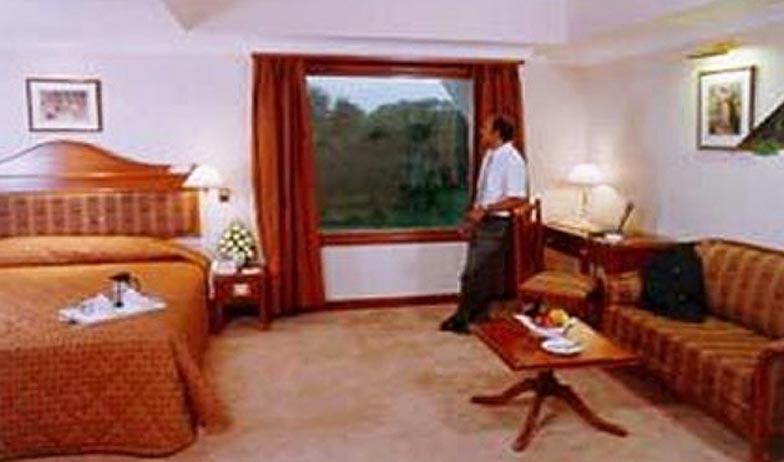Deluxe Room in Comfort Inn Sunset Hotel