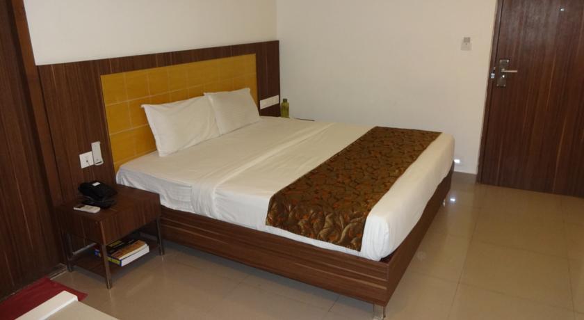 Deluxe Rooms in Continental Park Hotel Vijayawada