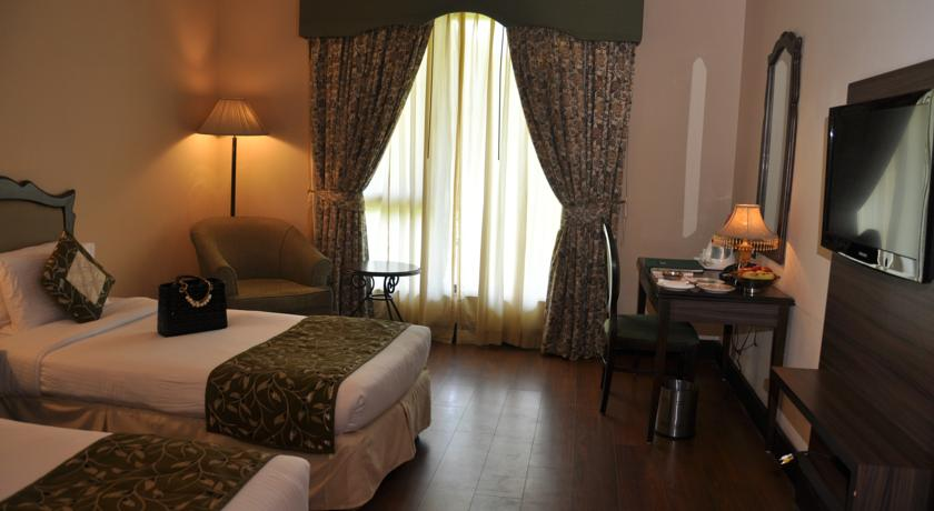 Deluxe Room in Country Inn & Suites By Carlson