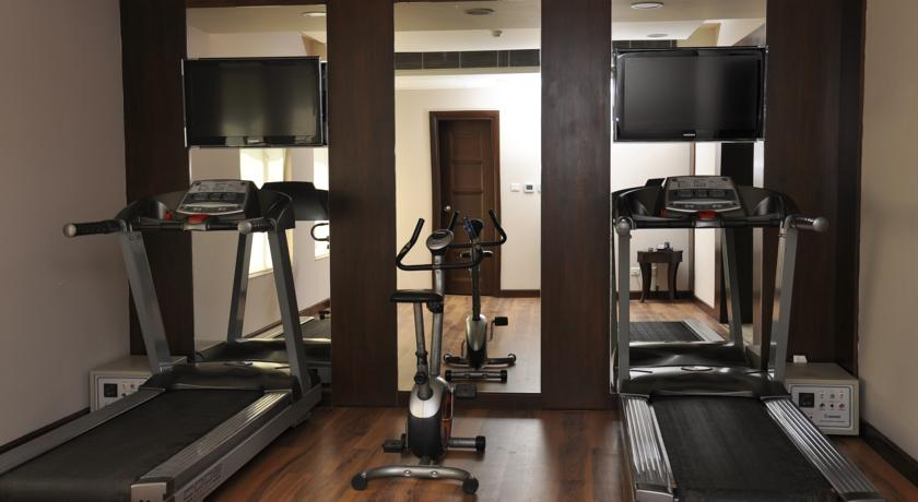 Gym in Country Inn & Suites By Carlson