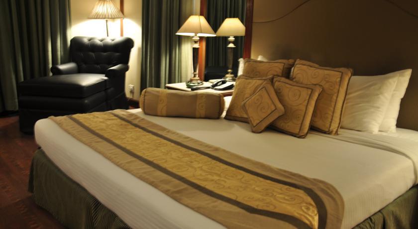 Presidential Suite in Country Inn & Suites By Carlson