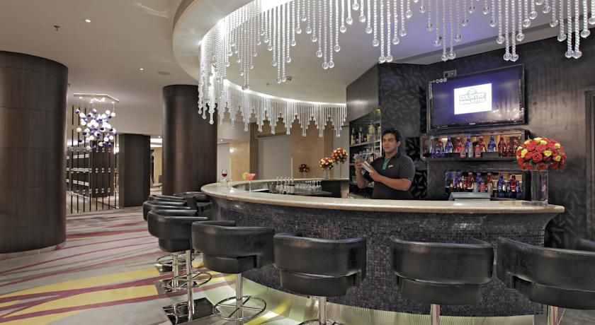 Bar in Country Inn & Suites By Carlson Udyog Vihar