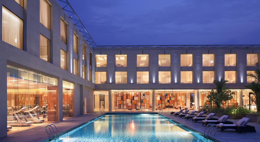 Swimming Pool in Courtyard By Marriot Kochi Airport