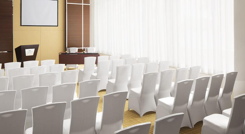 Meeting Room in Courtyard By Marriot Kochi Airport