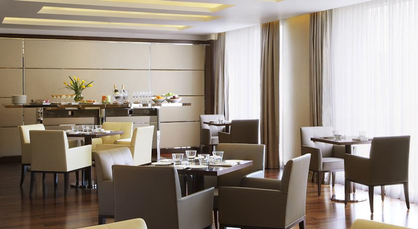 Dining in Courtyard By Marriot Kochi Airport
