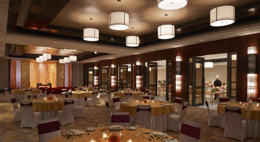 Dining2 in Courtyard By Marriott Bilaspur