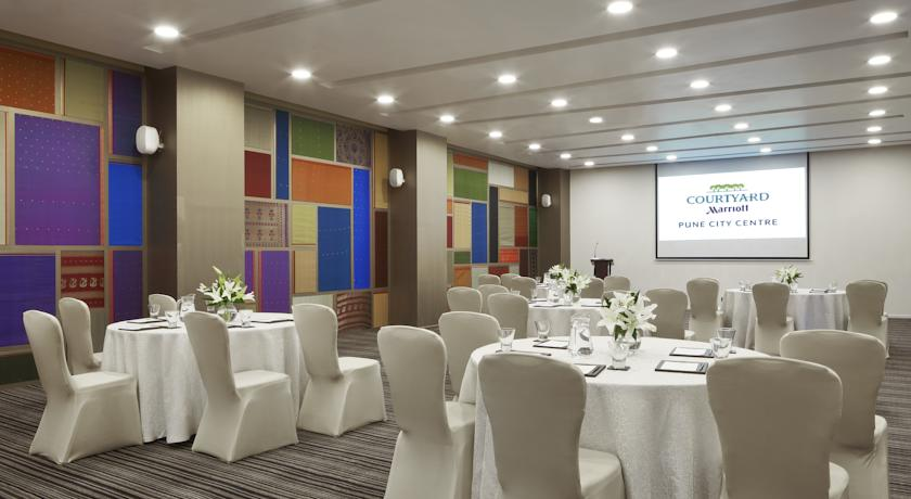 Meeting room in Courtyard By Marriott Pune City Center