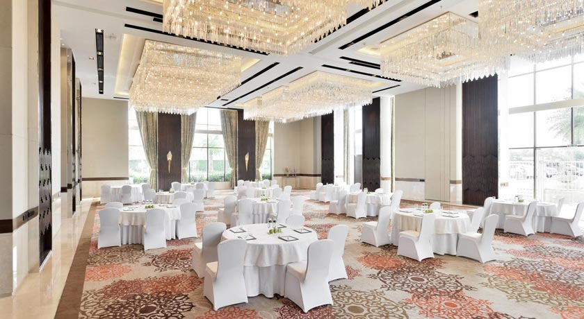 ballroom-Courtyard-Marriott-Agra
