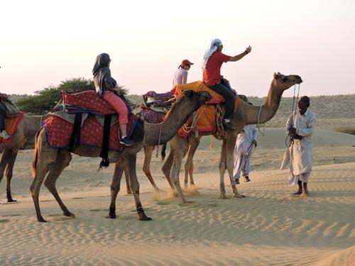 camal-safari-in-Damodra-Desert-Camp,-Jaisalmer