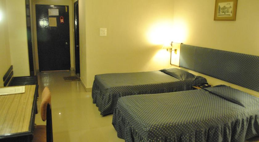 Deluxe Rooms in Diamond Hotel