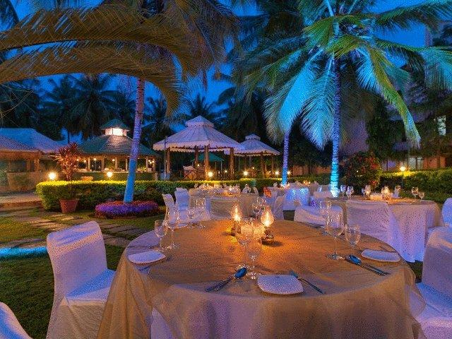 Dining in Royal Orchid Resort & Convention Centre