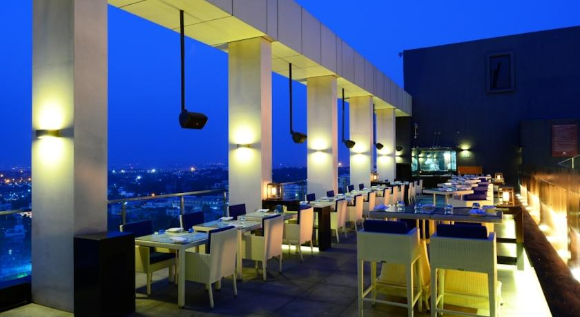 Dining in Hotel Double Tree By Hilton, Pune