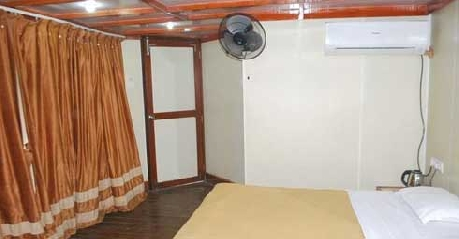 Cottages in Exotica Beach Resort Diveagar
