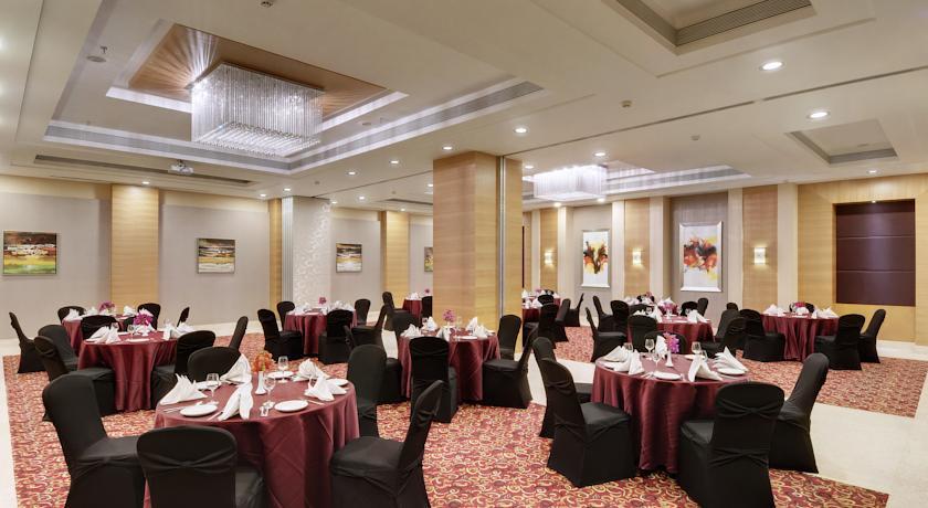 Dining in Hotel Express Inn