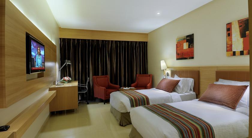 Standard Rooms in Hotel Express Inn