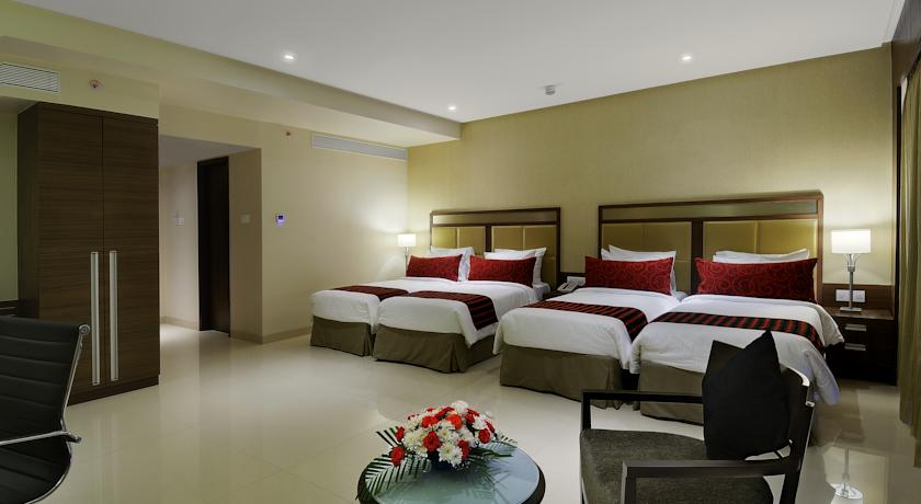 Deluxe Rooms in Hotel Express Inn