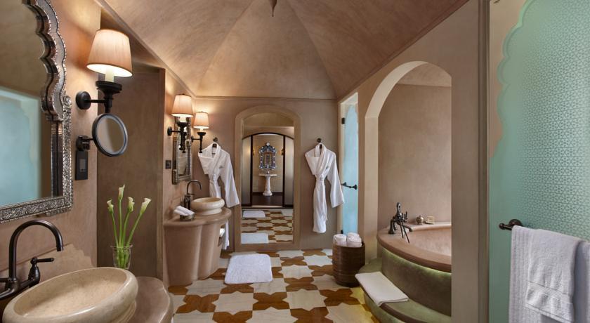 Fairmont Gold Bathroom in Fairmont Jaipur Hotel