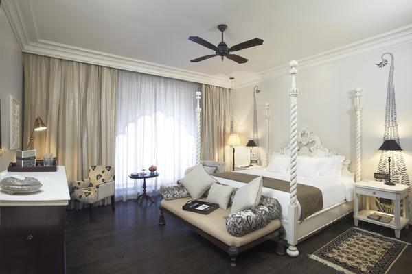 Fairmont Deluxe Room in Fairmont Jaipur Hotel