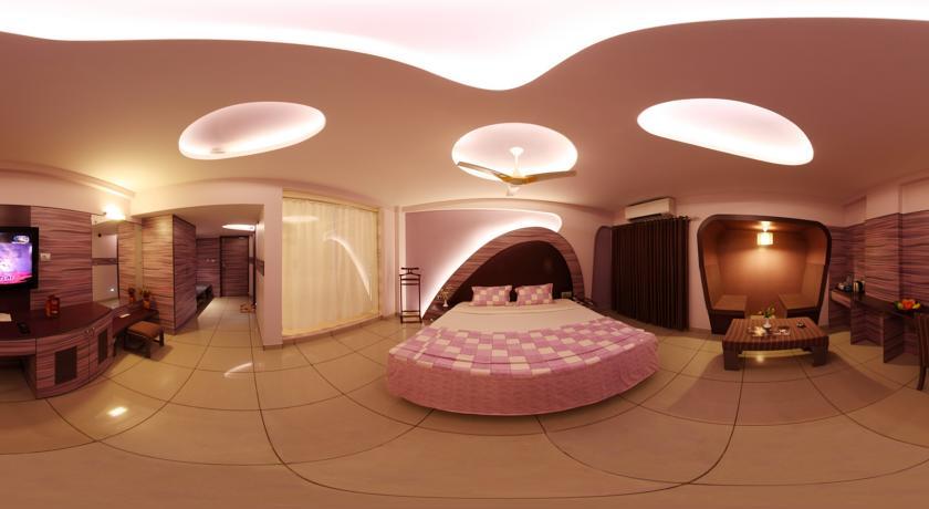 Honeymoon Suite in Femina Hotel In Trichy