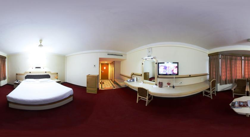 Economy AC Rooms in Femina Hotel In Trichy