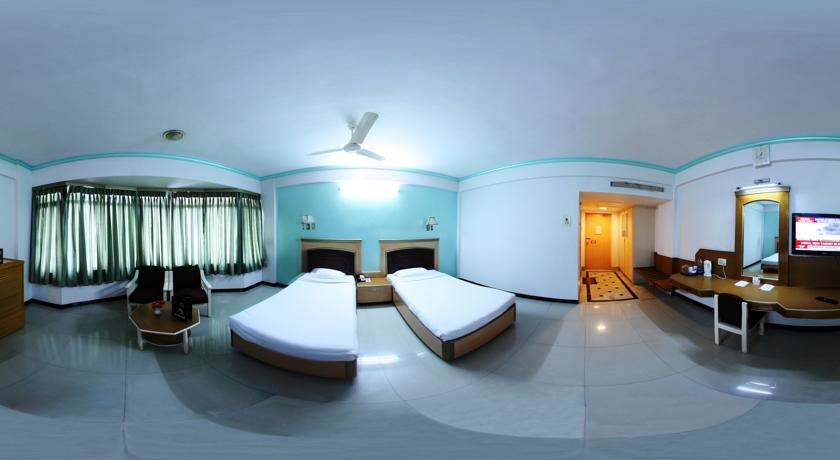Deluxe AC Rooms in Femina Hotel In Trichy
