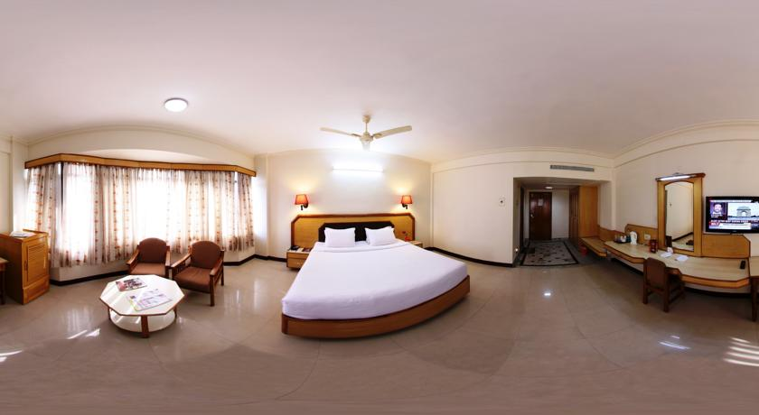 Executive AC Rooms in Femina Hotel In Trichy