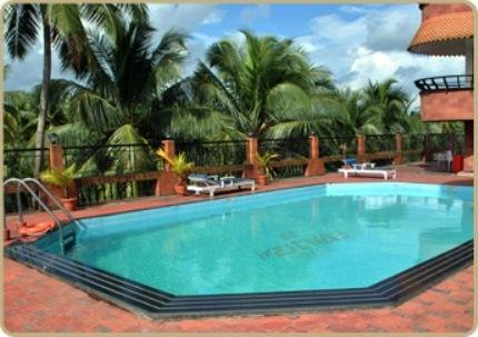 Swimming pool in Fortune Hotel Kozhikode