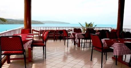 Dining in Fortune Resort Bay Island